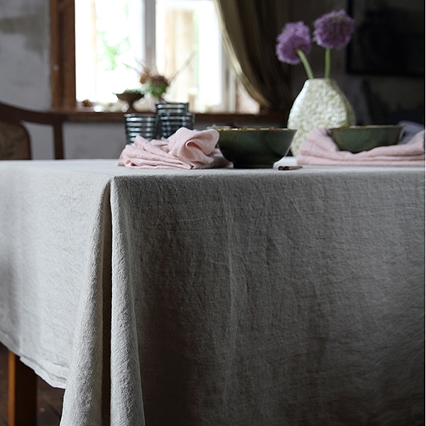 How to iron table linen - LinenMe