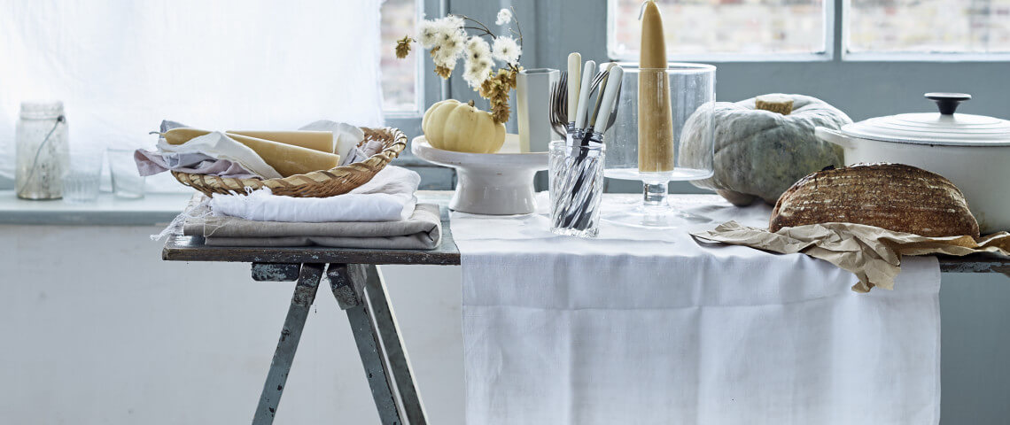 linen table styling